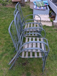 Set of 4 lawn chairs good condition, cushions not included Toronto, M8Y 3J5