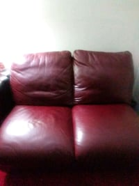 red leather 2-seat sofa Lauderdale Lakes, 33319