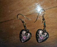 Hrart shaped earrings, great mothers day gift