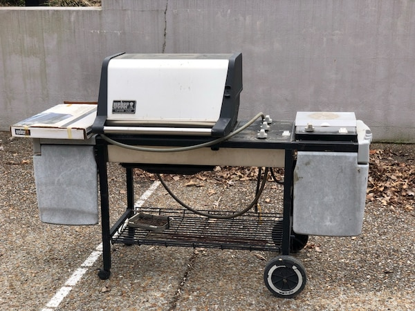 Weber Genesis Gold - gas grill set up for NATURAL GAS