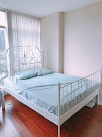 Queen sized bed  Vancouver, V6E 1A6