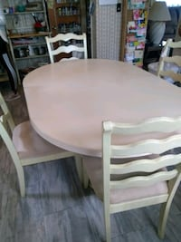 Dining Table and Chairs set Glenarden, 20706