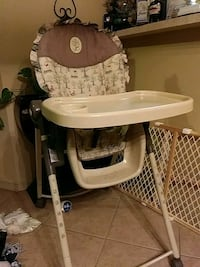 baby's white and black high chair El Paso, 79938