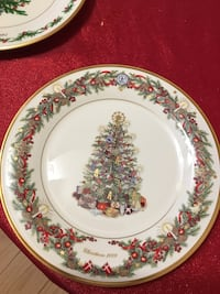 Lenox Christmas Trees Around the World Limited Edition. Avon-by-the-Sea, 07717