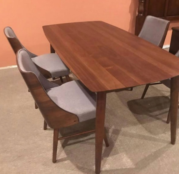 4 Dining Room Chairs For Sale: Used BRAND NEW Dining Room Table & Chair Set!+ DELIVERY