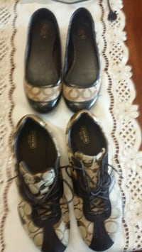 2 pairs coach shoes size 9 Toronto, M9P 1A7