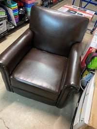 Accent chair chocolate new