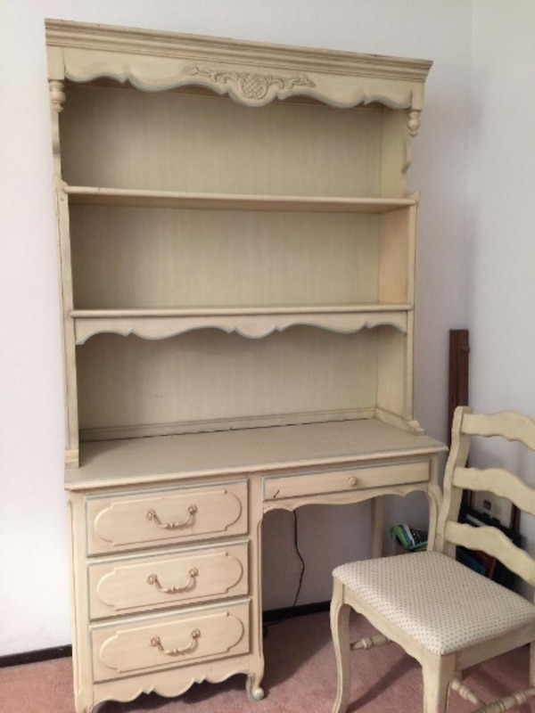 Used Girl S Trundle Bed Matching Desk Chair Linens And Bookcase