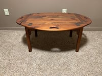 Pine cocktail table  Oakdale, 55128