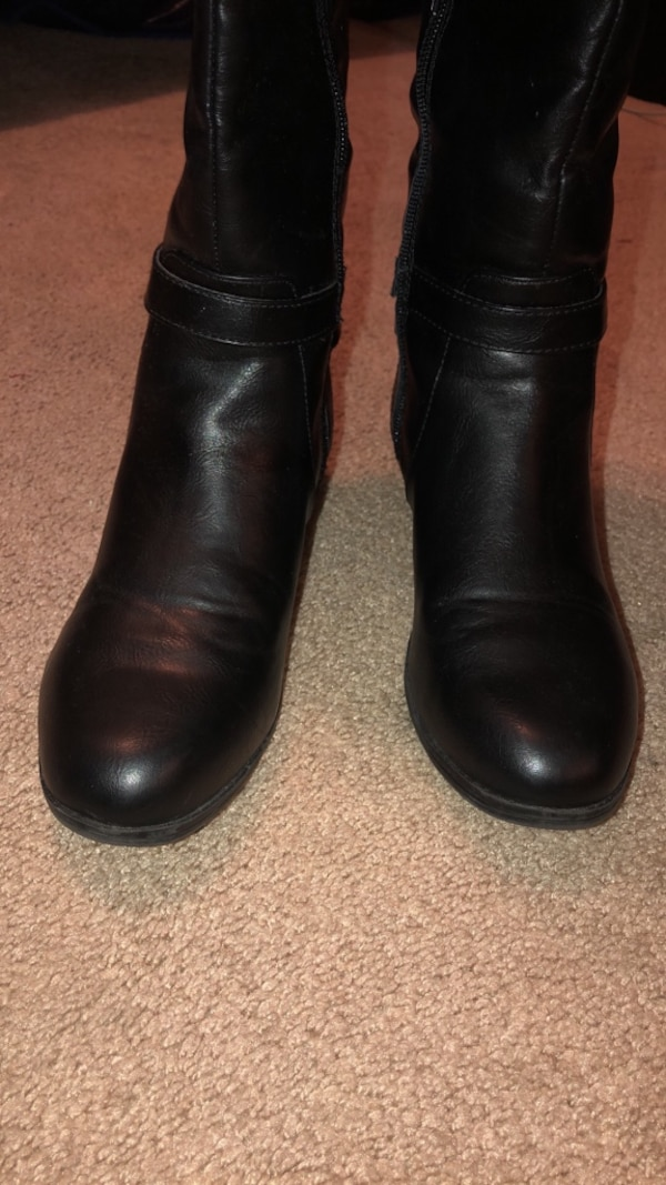 Women 2-tone wide calf boots size 8.5 3