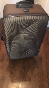 Beautiful suitcase for travel Brampton, L6P 2E5