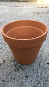 """Planting pot with saucer - 10"""" Los Angeles, 90065"""