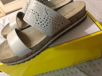 size 9 leather sandals worth 70  Mission, 78572