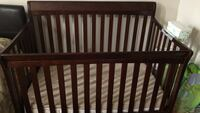 Crib and diaper organizer mattress not included. Turns in to toddler bed as well Toronto, M9W