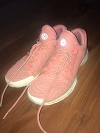 pair of pink-and-white Nike sneakers Regina, S4S 4J3