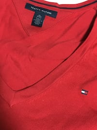 red Women's Tommy Hilfiger sweater  Surrey, V3S 3T3