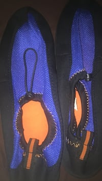 pair of blue-and-black Nike running shoes Los Angeles, 90002
