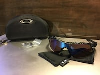 Oakley radarlock pitch sunglasses  Kelowna, V1W