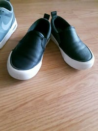 toddler  black leather slip on shoes Calgary, T2A 4T7