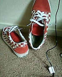 pair of red-and-white sneakers Fresno, 93702