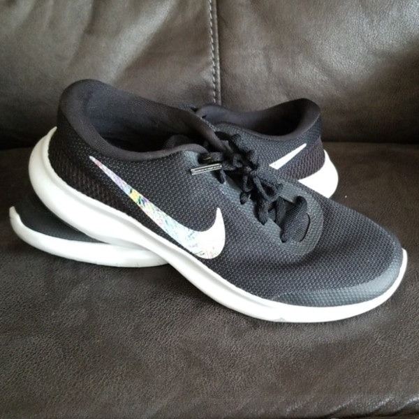 1895a8944488 Used Nike Flex Experience RN 7 size 8.5 for sale in Ellendale - letgo
