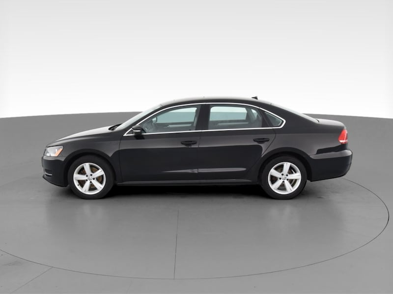2013 VW Volkswagen Passat sedan TDI SE Sedan 4D Black  4