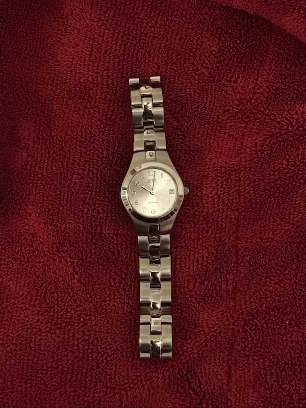 Round silver Guess watch