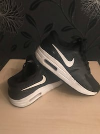 Nike trainers in excellent condition kids Liverpool, L11