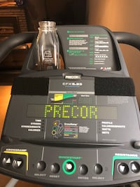 Elliptical Trainer - Precor EFX 5.23! Toronto, M9B 2L5