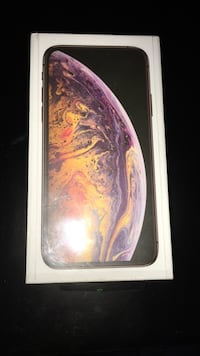 Iphone xs max 512gb unlocked with receipt GOLD COLOUR 553 km