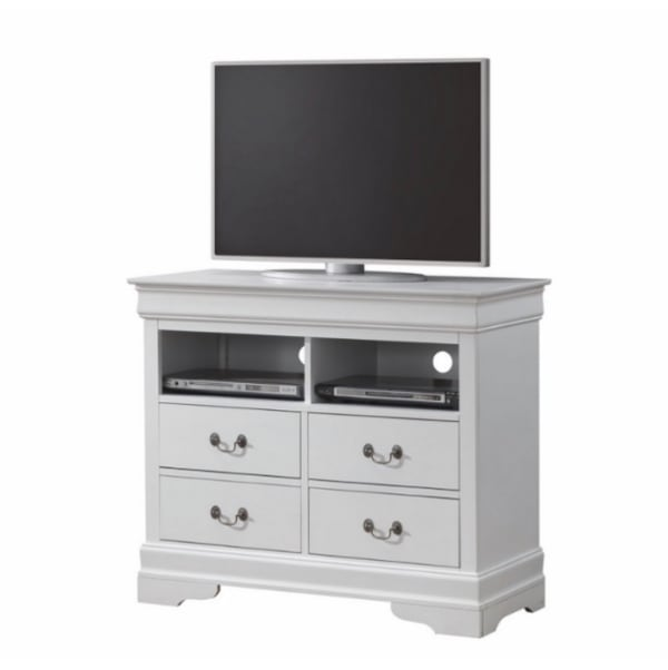 4 PC bedroom set d307ed1f-14d3-4dd4-af17-2b24f362ffb7