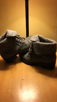 pair of gray leather booties Des Moines, 50316