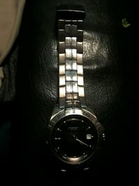 round silver analog watch with link bracelet Medford, 97501