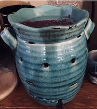 blue and white ceramic vase Barrie, L4N 5G8