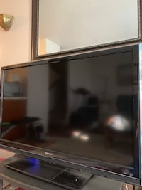 "Like new 45 "" SHARP TV San Francisco, 94115"