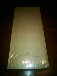 New & Boxed -Touch lamp led lt-t7 aukey  Falls Church, 22043