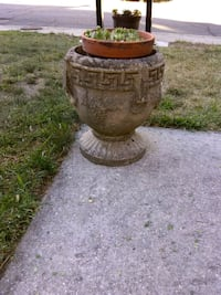 "Heavy planter 14"" Alexandria, 22315"