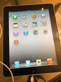 iPad 32GB WIFI for sale only serious people  545 km