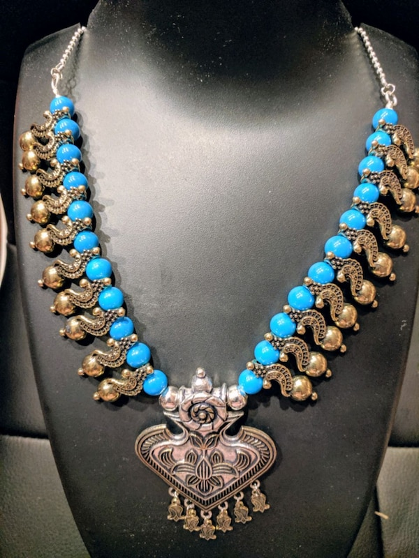 beautiful colored necklace to match your outfit e57a455a-abd1-4c40-a734-7d91cb41a7ad
