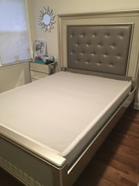 Queen bed-frame with boxspring Atlanta, 30308