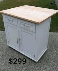 Kitchen Island *Delivery Available* Hamilton, L9H 5N7