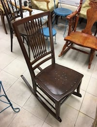 Antique wooden rocking chair, very sturdy, good size Englishtown, 07726