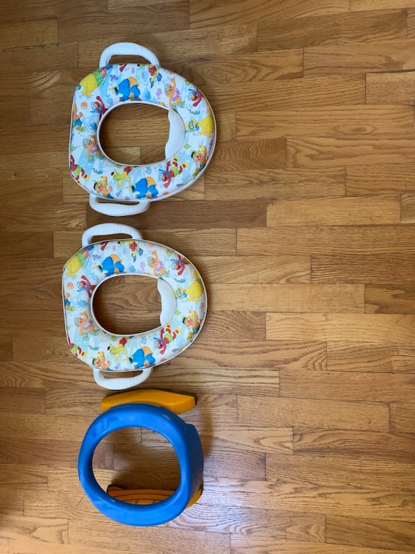 Travel Potette and 2 Sesame Streets Toddler Potty Seats a755ae25-8e91-4f9f-94a9-6c2159adcda6