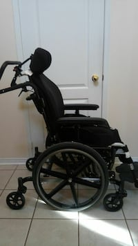 Wheelchair with 6 wheels