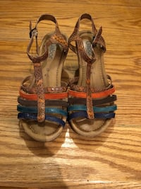 Gabor new never been used Pair of brown-and-black sandals size 37.5 Toronto, M4Y 1G2