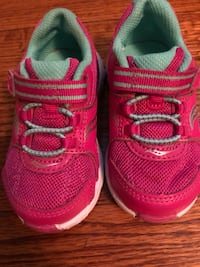 Saucony toddler girl sneakers  St James