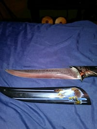 Eagle engraved knife and case