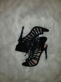 Pair of black gladiator heels size 8 Laval, H7K 1T4