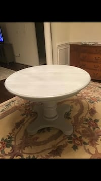 Solid oak painted grey tone table with extra leaf to extend to 64 height 30 without leaf 42 Fallston