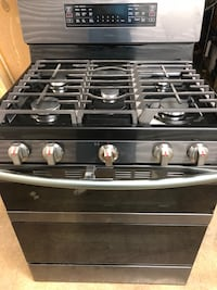 Samsung NX58M6850SG 30 in. 5.8 cu. ft. Gas Range with Self-Cleaning and Dual Convection in Fingerprint Resistant Black Stainless Steel Dallas, 75243